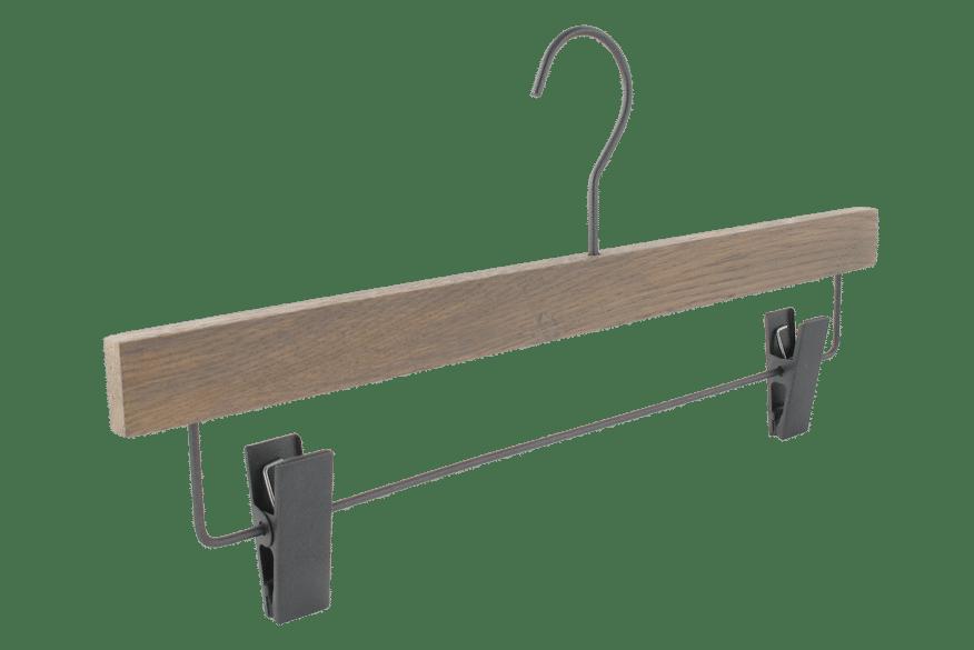cintre-bois-chene-gris-e1902alu-pinces-cintres-actus-france
