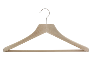 cintre-bois-costume-456-avec-barre-cintres-actus