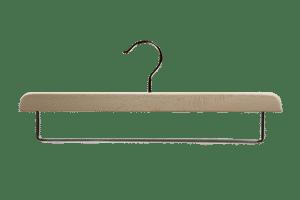 cintre-bois-pantalon-1702-avec-barre-cintres-actus-france