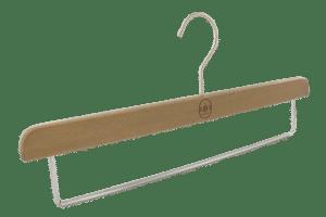 cintre-bois-pantalon-1702-un-jour-ailleurs-cintres-actus-france