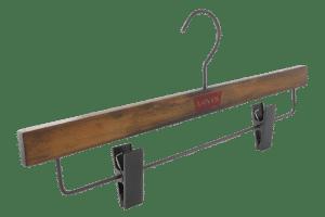 cintre-bois-pinces-e1902alu-logo-rouge-cintres-actus-france