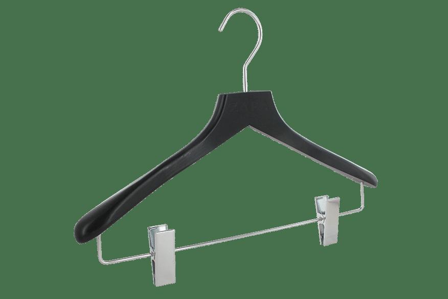cintre-bois-pinces-noir-149-30c-logo-zapa-cintres-actus-france