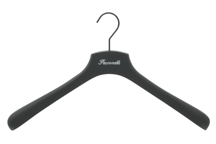 cintre-bois-soft-touch-746-logo-faconnable-personnalise-actus-cintres-france