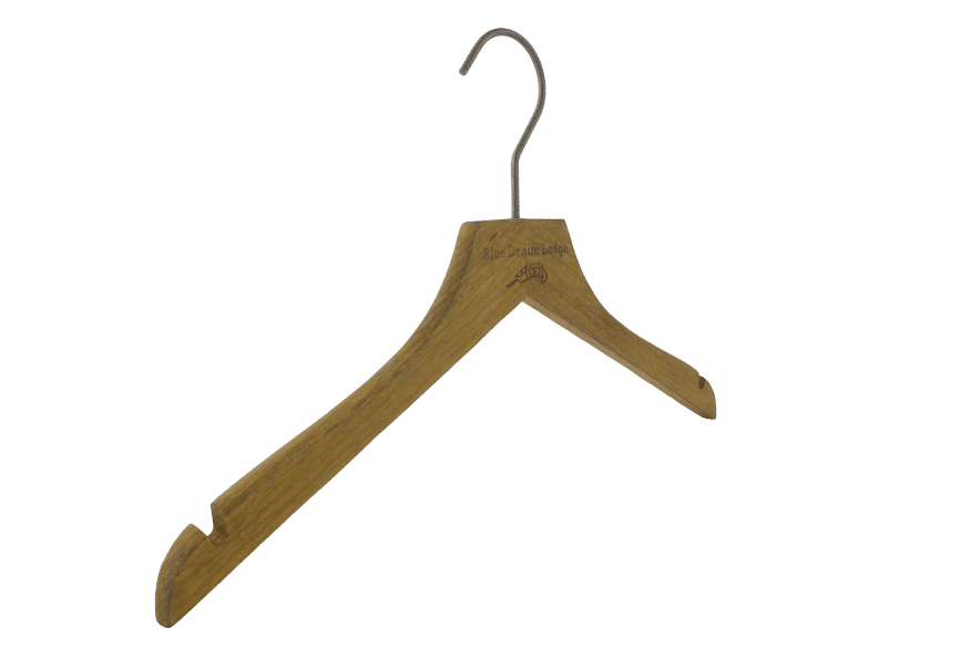 cintre-bois-vintage-chemise-avec-encoches-149H-cintres-actus-france