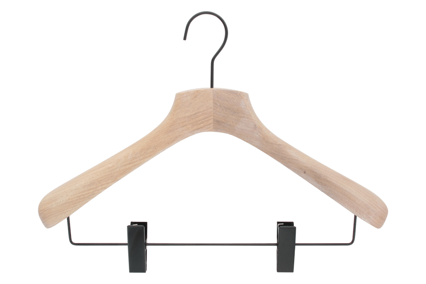 cintre-chene-blanchi-costume-746c-pinces-cintres-actus-france