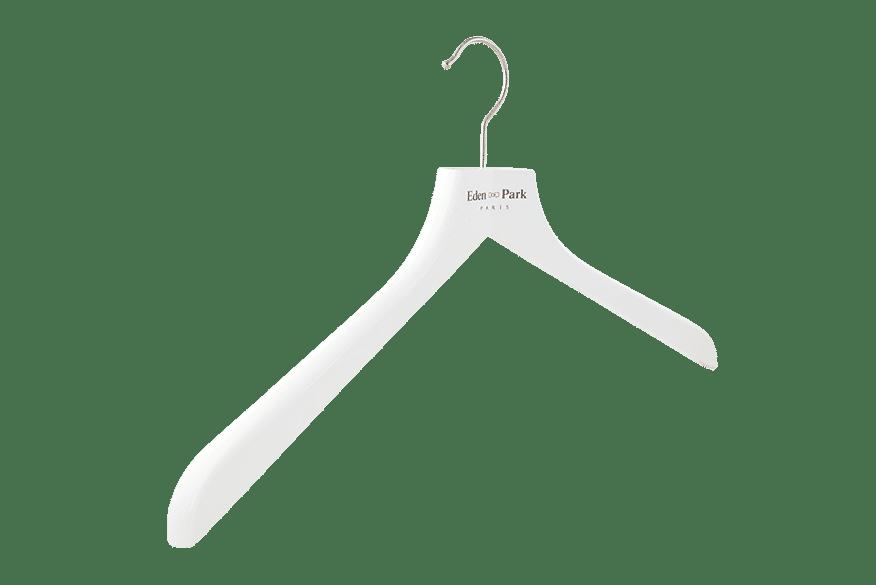 cintre-bois-blanc-chemise-128-logo-eden-park-cintres-actus-france